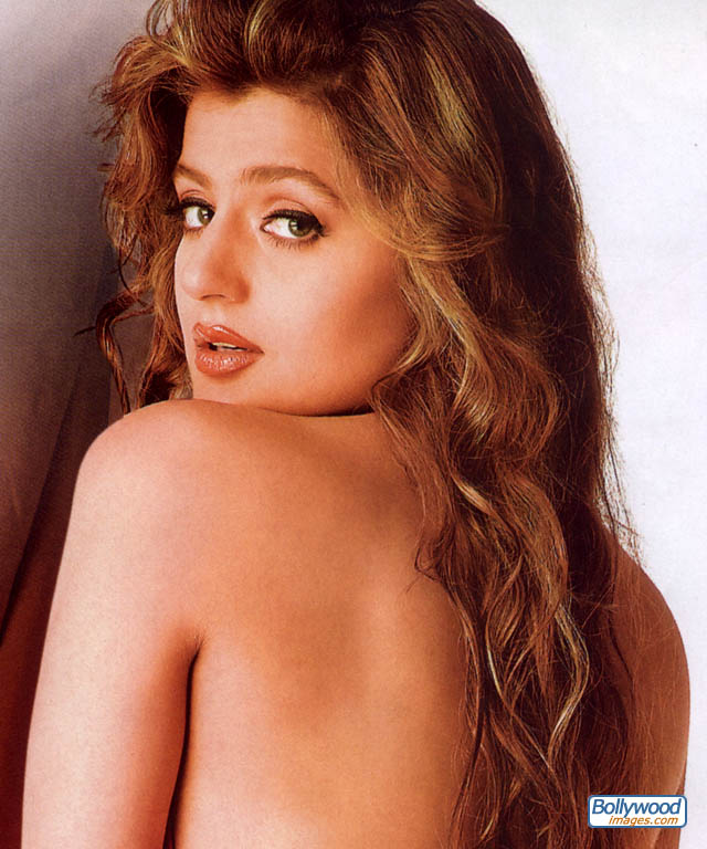 Bollywood Images - Amisha Patel Pictures (Page 1 of 5)