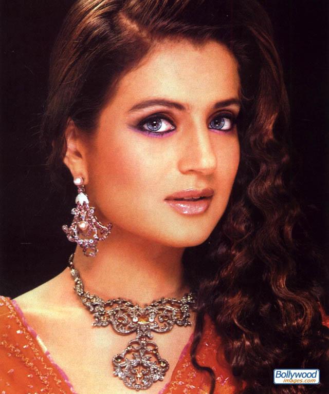 Amisha Patel - amisha_patel_010