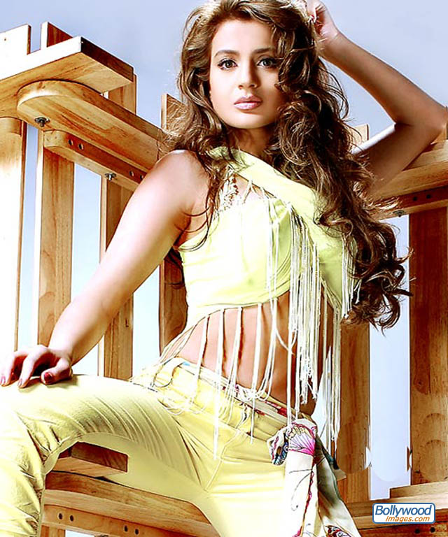 Amisha Patel - amisha_patel_023