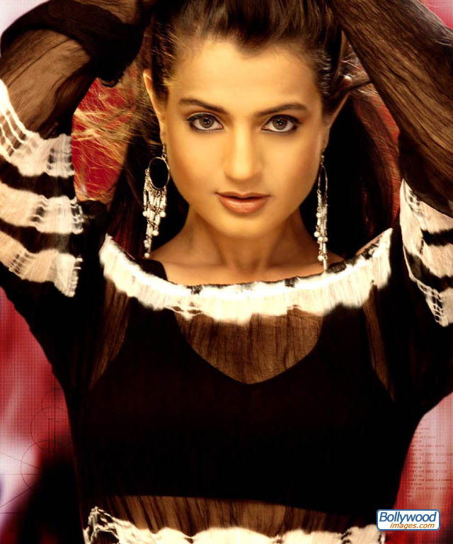 Amisha Patel - amisha_patel_033