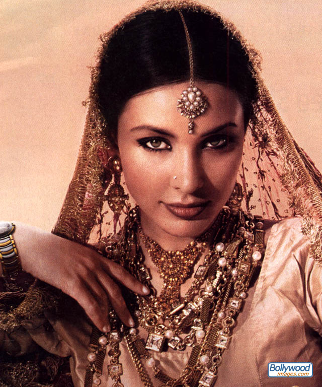 Lisa Ray - Images