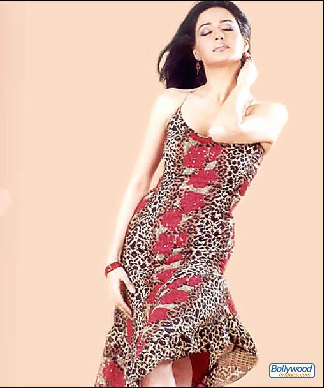 Priya Gill - priya_gill_002