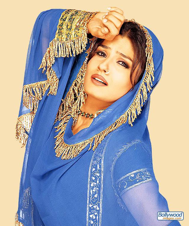 Raveena Tandon - raveena_tandon_011