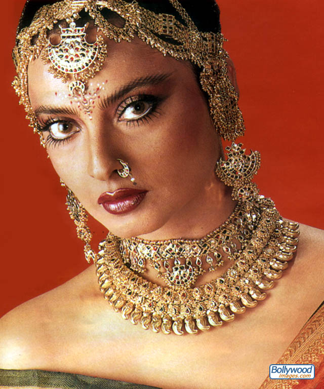 1000+ images about Rekha Ji on Pinterest | Bollywood ...