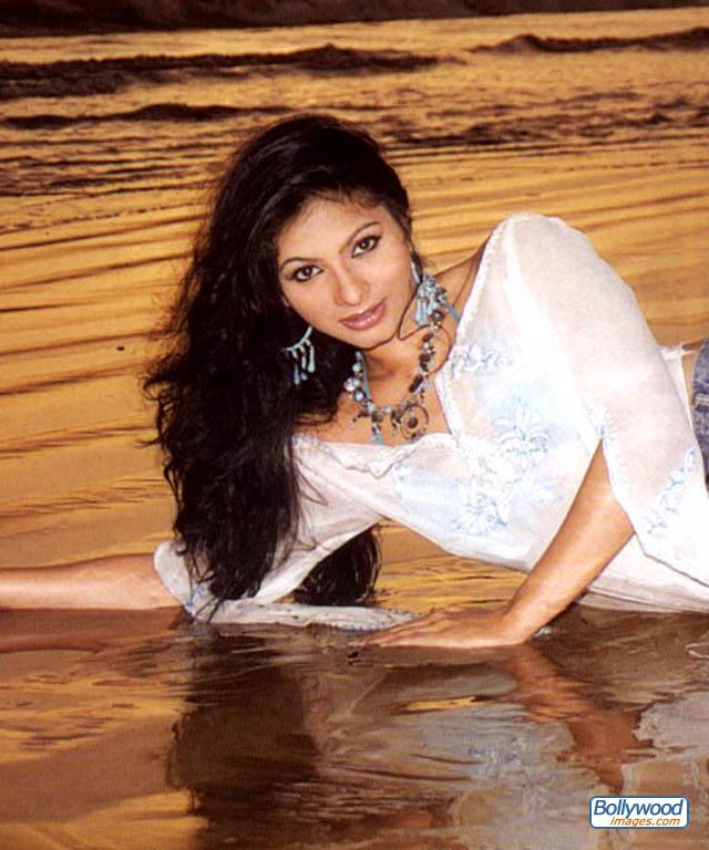 Tanisha Mukherjee - tanisha_mukherjee_002