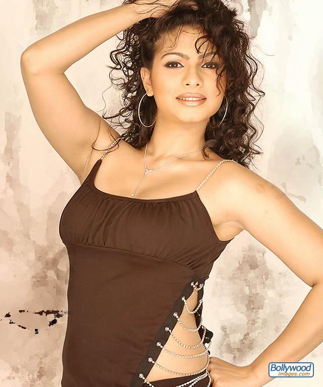 Tanisha Mukherjee - tanisha_mukherjee_003